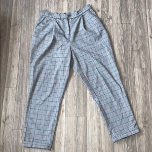 Divided plaid trousers